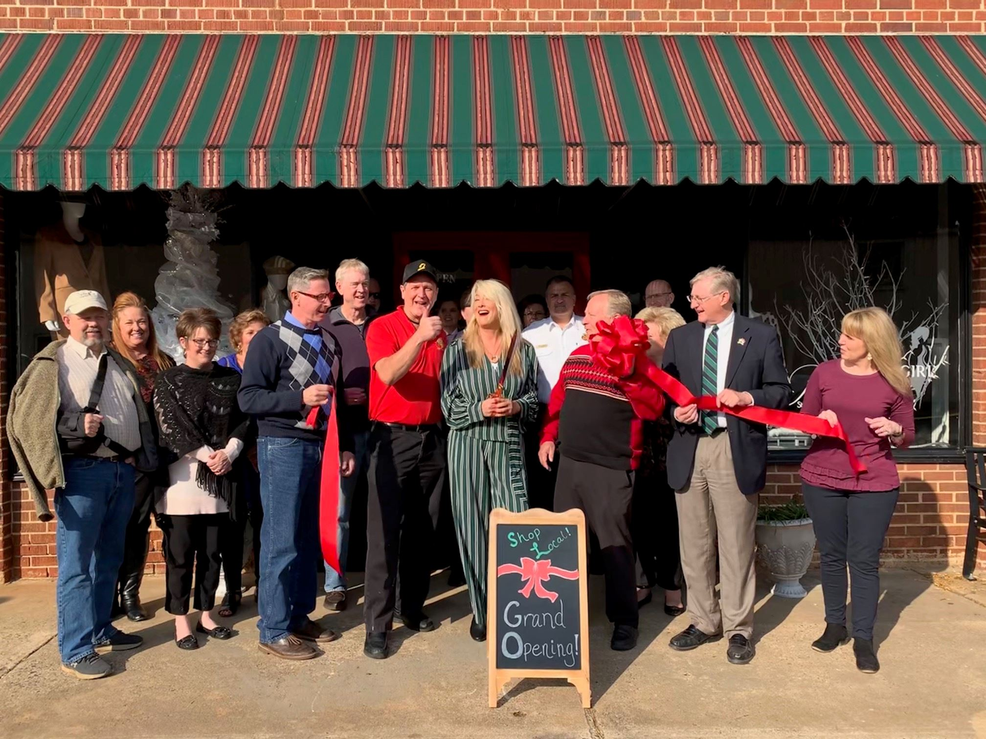 Uptown Girl Boutique Ribbon Cutting